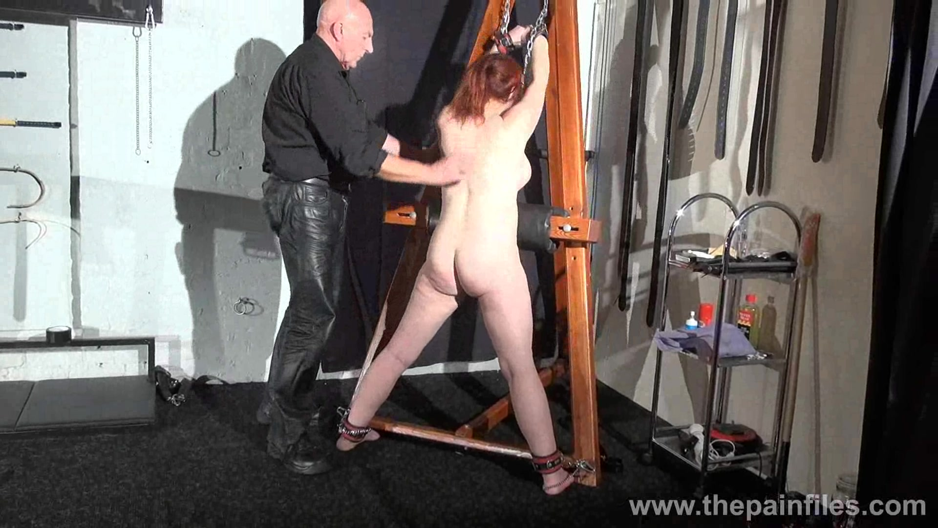 Bdsm whipping post